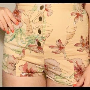 UO High-Waisted Pastel Yellow Floral Shorts